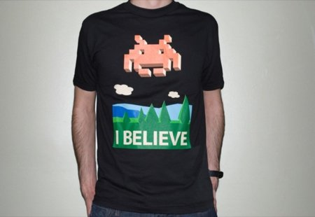 Camiseta para los creyentes del Space Invaders
