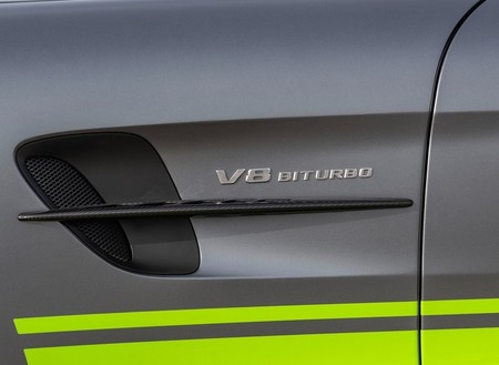 Mercedes Benz Amg Gt R Pro 2020 1024 17