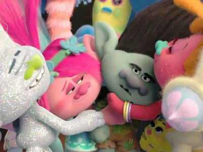 Taquilla española | Los trolls triunfan, 'Sully' y 'Blair Witch' decepcionan