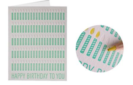Una tarjeta de felicitación que te sirve hasta los 100 años