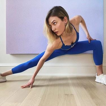 El entrenamiento de 10 minutos que hace Karlie Kloss en casa y puedes hacer tú también porque no necesita ningún material