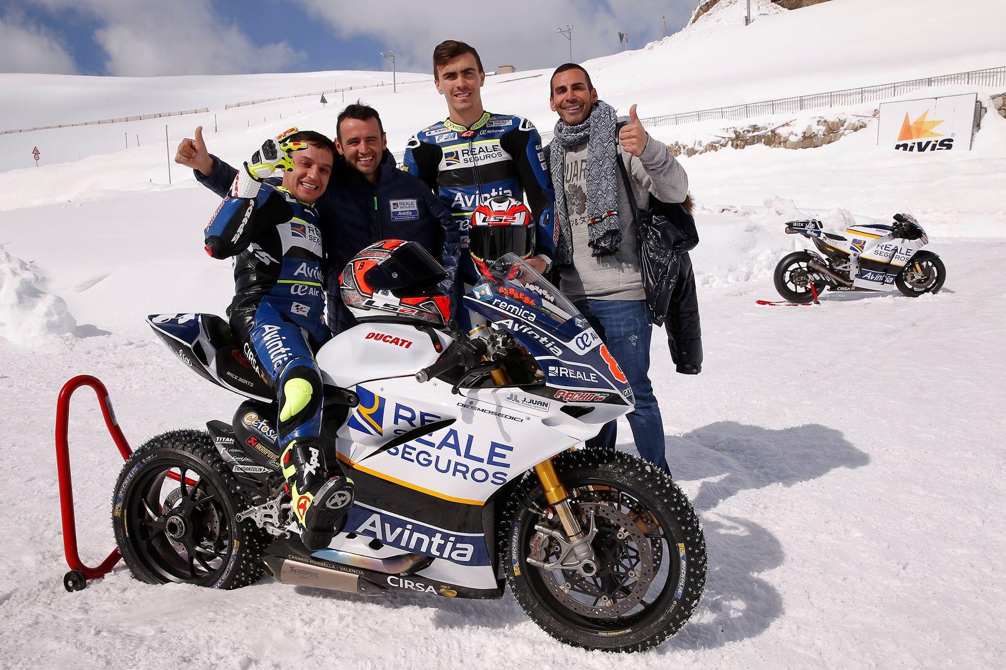 Foto de Presentación Reale Avintia Racing MotoGP 2017 (6/28)