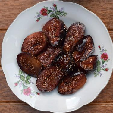 Higos asados al vermut: receta facilísima de postre, desayuno o guarnición