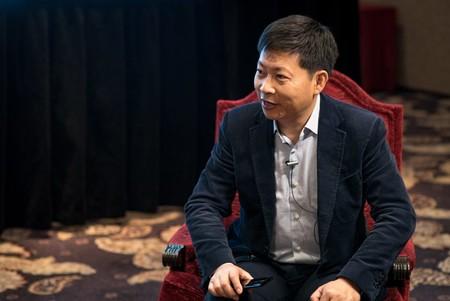 Su CEO dice que el Huawei Mate 10 será mejor que el iPhone 8, y ninguno se ha presentado