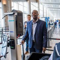 Polémica por las irregularidades del proyecto de adopción masiva del reconocimiento facial en los aeropuertos de EE.UU