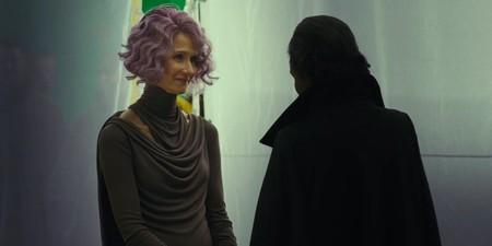 Laura Dern como Holdo