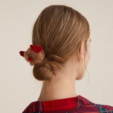 Oysho tiene las gomas del pelo navideñas más ideales que podríamos lucir el resto del año sin problema