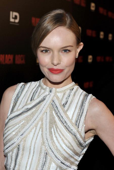 Kate Bosworth sabe cómo ir guapa de Prada, la fiesta es de las espaldas
