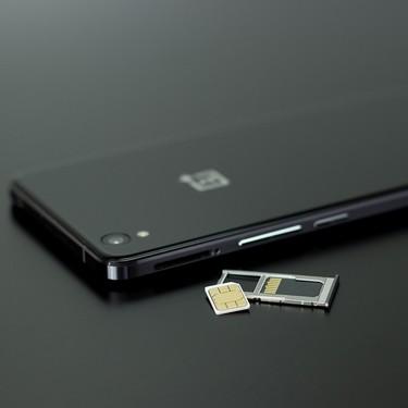 Así es Simjacker, la vulnerabilidad de las tarjetas SIM que permite conocer la ubicación del usuario en todo momento