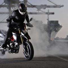 Foto 22 de 30 de la galería aprilia-dorsoduro-factory-2010 en Motorpasion Moto