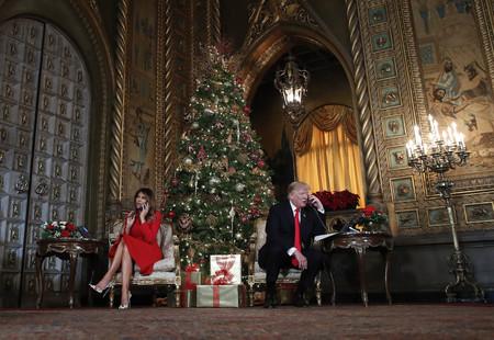 Estas Navidades Melania Trump se ha convertido en Mamá Noel