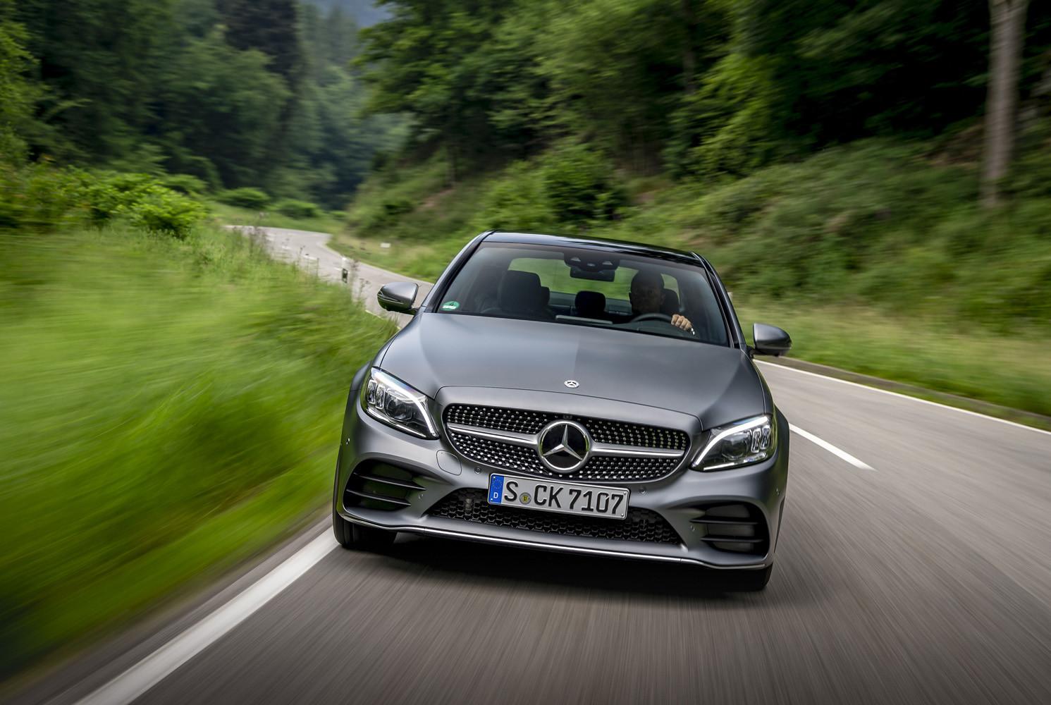 Foto de Mercedes-Benz Clase C 2018, toma de contacto (98/255)