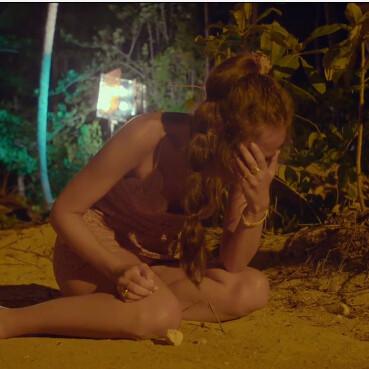 Melyssa monta en cólera tras la hoguera de 'La Isla de las Tentaciones 2' porque la tablet se ha quedado sin almacenamiento de la cantidad de vídeos de Tom que hay para ella