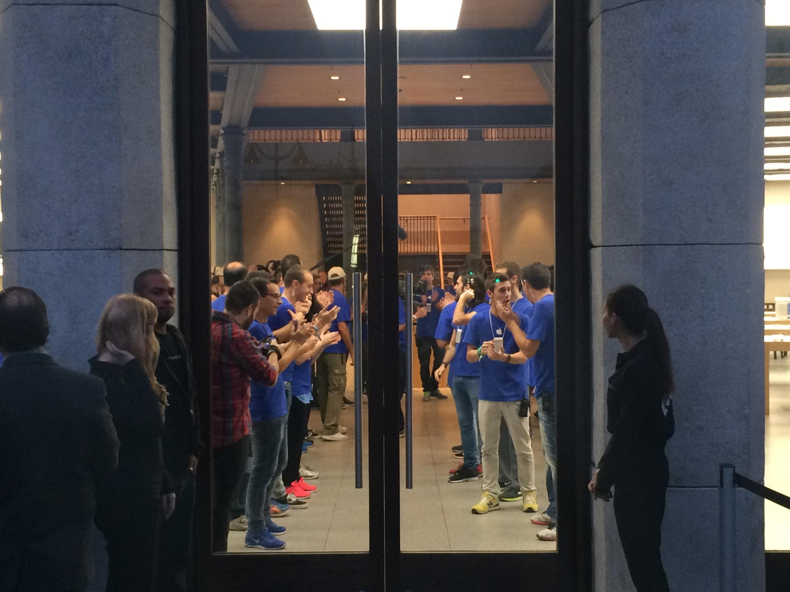 Foto de Lanzamiento iPhone 6 Puerta del Sol (5/10)