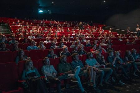 Vuelta al cine: qué salas abren, con qué medidas y cuáles son las primeras películas que llegan a la cartelera en junio