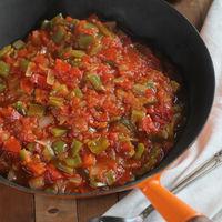 Pisto de pimientos y tomates, la receta de mi abuela