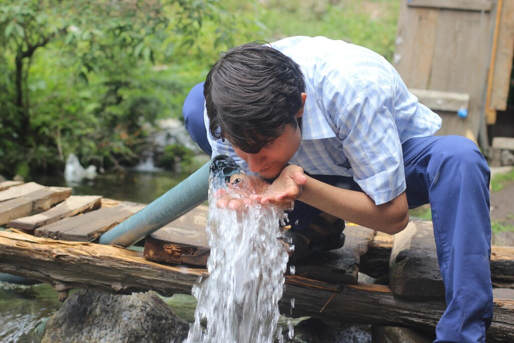 El chico de 14 años que consiguió convencer a todos de que prohibir el agua era una buena idea