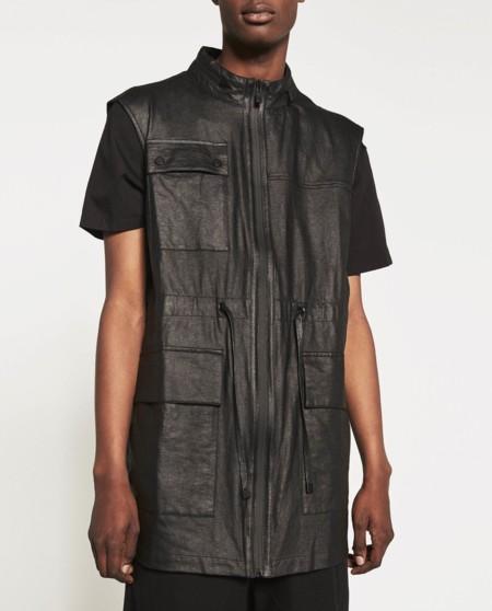 No es de Rick Owens, pero este chaleco con bolsillos Zara lo hizo idéntico