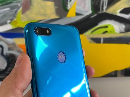 Motorola Moto E6 Play: 5,5 pulgadas HD, cuerpo de plástico y cámaras sencillas para la nueva línea de entrada de Motorola