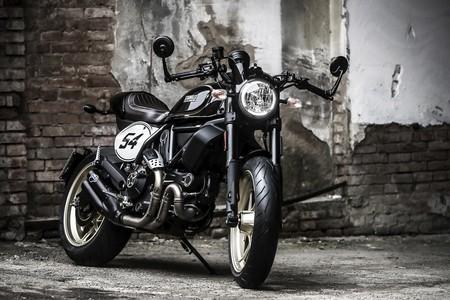 Ducati Scrambler Cafe Racer Static 19