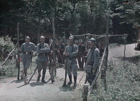 H Soldados En Guardia
