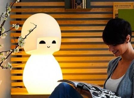 Kokeshi lamp, la compañera perfecta para un rincón de lectura