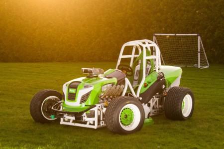 Esta cortacésped Viking con motor V8 tiene un nuevo récord de velocidad: 215 km/h