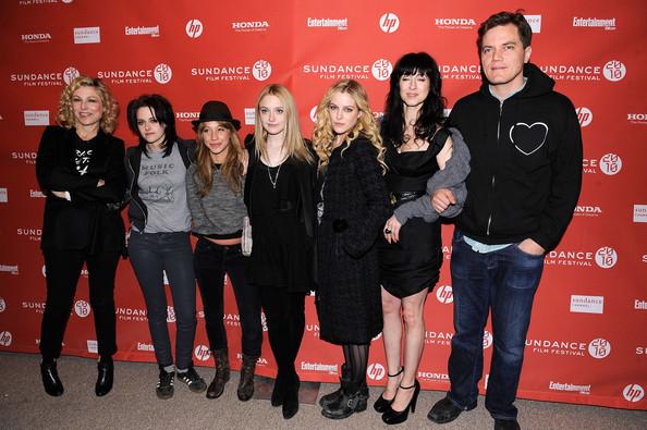 Foto de Kristen Stewart y Dakota Fanning  en el Festival de Sundance (10/10)