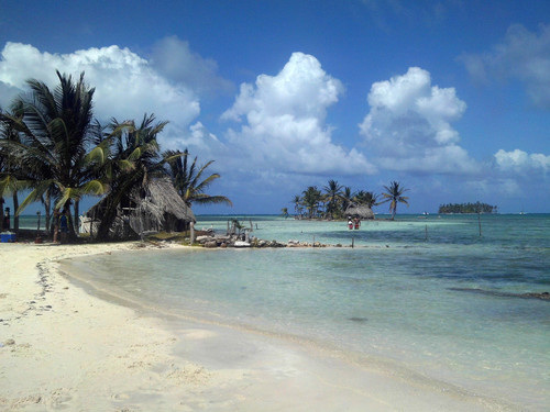 Compañeros de Ruta: De Panamá a España con playas, cascadas y montañas