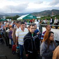 La vía colombiana: dar la nacionalidad a más de 20.000 refugiados frente a rechazarlos