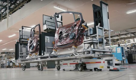 Las baterías usadas del Nissan LEAF no mueren: acaban en robots autónomos que ayudan a fabricar más coches eléctricos