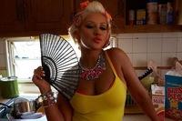 Christina Aguilera ahorra más en bragas que tú y yo juntas