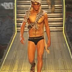 Foto 12 de 14 de la galería john-galliano-primavera-verano-2010-en-la-semana-de-la-moda-de-paris en Trendencias Hombre