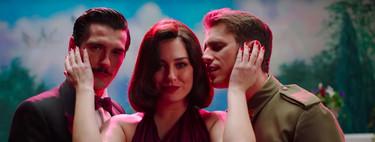 """""""Dos hombres y un destino"""" o cómo Netflix nos lleva a los 2000 con un divertido videoclip protagonizado por Blanca Suárez"""
