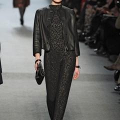 Foto 25 de 27 de la galería jean-paul-gaultier-otono-invierno-20112012-en-la-semana-de-la-moda-de-paris-el-lado-sexy-del-estilo-ladylike en Trendencias