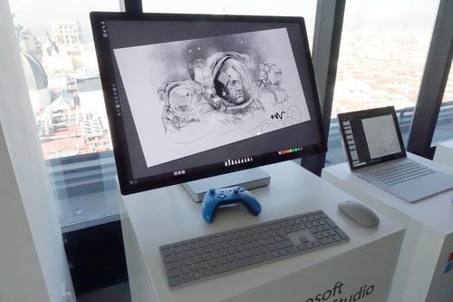 Microsoft Surface Studio 2, primeras impresiones: su pantalla y su peana siguen sorprendiendo, pero las novedades están dentro