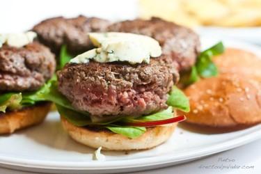Mini hamburguesas con queso azul. Receta