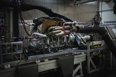 Aston Martin Valkyrie V12 4