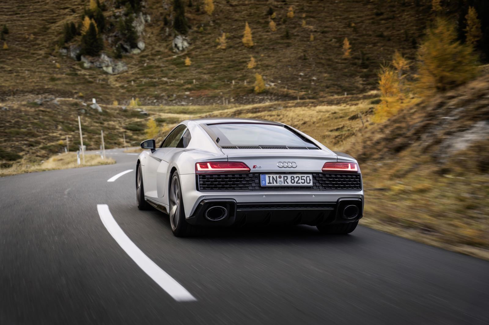 Foto de Audi R8 V10 RWS (2/12)