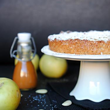 Pastel de manzana, almendra y canela: receta fácil para lucirse sin esfuerzo