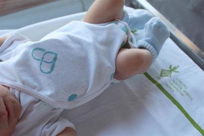 Un body que detecta cardiopatías congénitas en el bebé