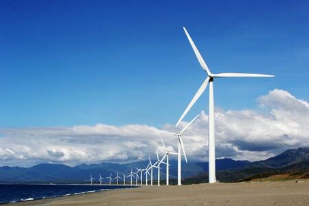 El primer parque eólico de Arabia Saudí ya produce electricidad, un gigante petrolero que mira hacia las energías renovables