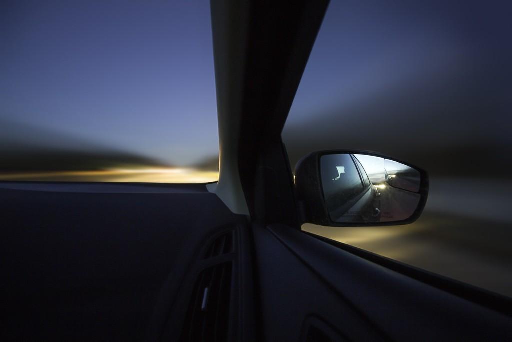Los humanos conducimos bien por carreteras que no conocemos: el MIT consigue que la IA de un coche autónomo esté a nuestro nivel