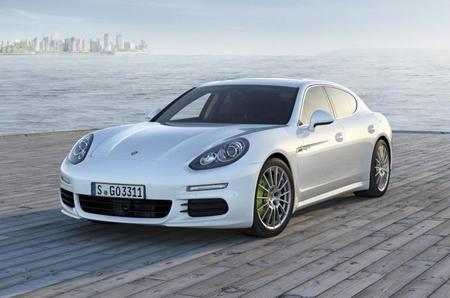 Porsche Panamera 2014, primeras imágenes filtradas y llega el E-Hybrid