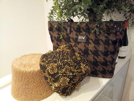 Los complementos de Roberto Verino para el próximo invierno, exquisita reintepretación del estilo New Look