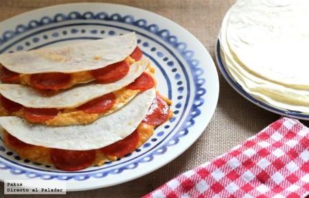 Quesadillas Con Chorizo Picante