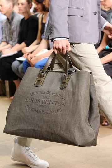 Foto de Louis Vuitton y su colección de bolsos, Primavera-Verano 2011 (1/9)