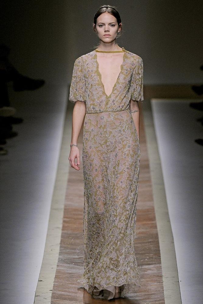 Foto de Valentino Otoño-Invierno 2011/2012 en la Semana de la Moda de París: la moda está triste (16/23)