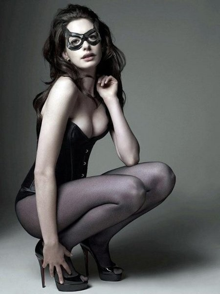 anne_hathaway_as_catwoman.jpg