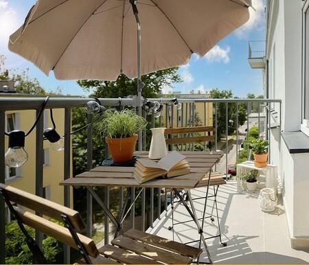 Estos parasoles son la mejor solución para dar sombra en balcones y terrazas pequeñas